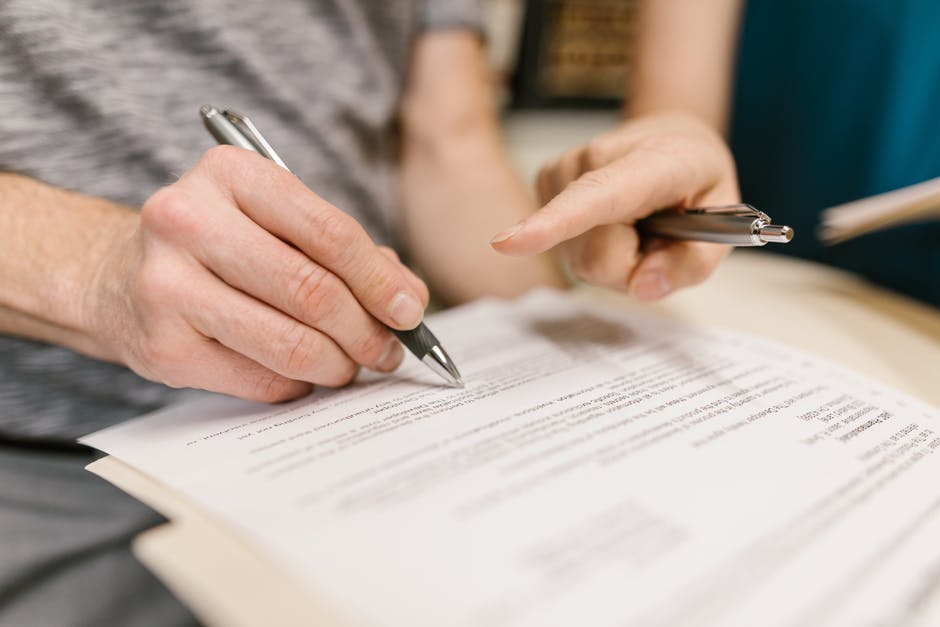 What Are the Main Provisions in a Commercial Lease Agreement?